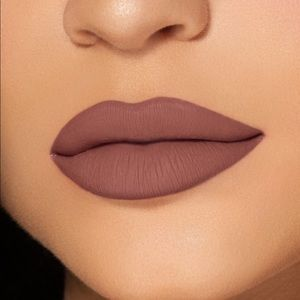 Kylie Cosmetics Dolce K Matte Liquid Lipstick 💄